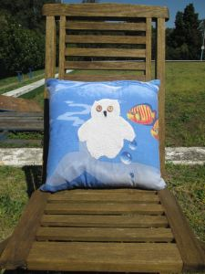 mr owl cushion - underwater bubbles (front)